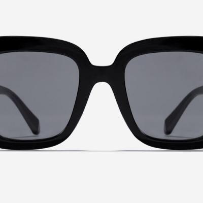 óculos de sol borboleta pretos