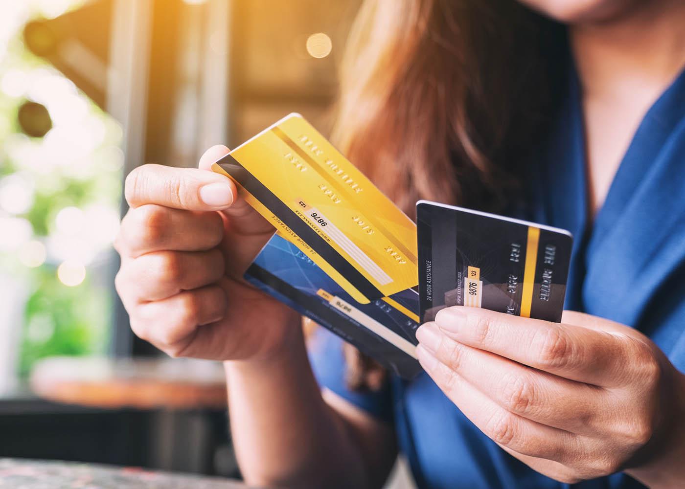 usar cartões de crédito e multibanco