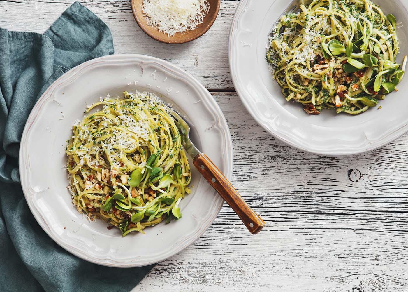 Esparguete de legumes e cogumelos